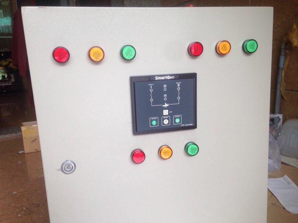 Tủ điện ATS dùng bộ điều khiển HAT530 - diencongnghiephcm.com